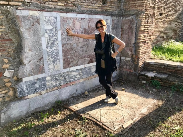 Silvia Prosperi tour guide around rome day trips Ostia